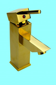 <PRE>Bathroom Faucet Gold PVD Brass Square Single Hole 1 Handle </PRE>zoom2