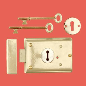 spec-<PRE>Rim Lock Brass Plated Steel Rim Lock Brass-plated Steel 3H x 4 7/8W in</PRE>