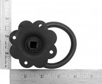 "spec-<PRE>Floral Gate Latch Heavy Duty Wrought Iron 6"" W </PRE>"