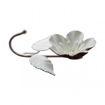 <PRE>Flower Hook Wrought Iron White </PRE>zoom8