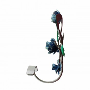 "<PRE>Flower Hook Wrought Iron Multi Colored 9inch H X 7 1/2"" W </PRE>zoom5"