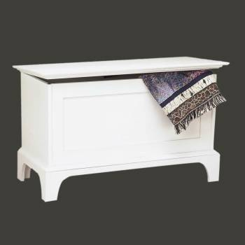 <PRE>Bench White Pine Shaker Blanket Chest </PRE>zoom2