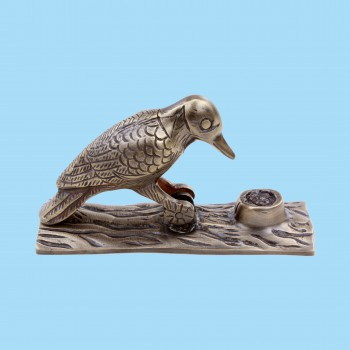 <PRE>Brass Antique Door Knocker Woodpecker Vintage Antique Door Hardware 6.5 Inch</PRE>zoom2