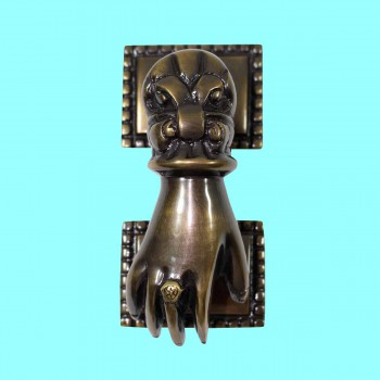 <PRE>Antique Brass Victorian Door Knocker Ladies Woman Hand 4inchH </PRE>zoom2