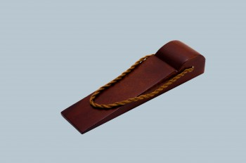 <PRE>Door Wedge Solid Mango Wood Leather Hanging Loop Cherry </PRE>zoom3