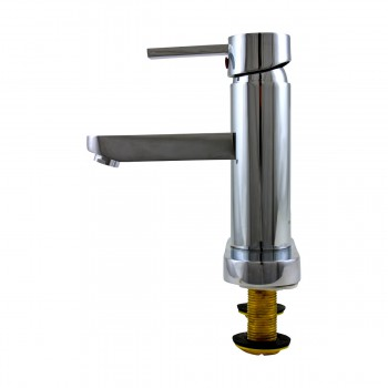 <PRE>Bathroom Faucet Chrome 1 Handle 4inch Centerset 6 3/4&quot; Tall </PRE>zoom5