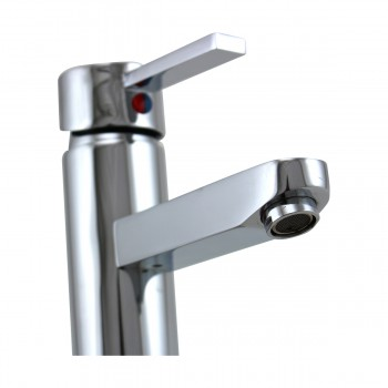<PRE>Bathroom Faucet Chrome 1 Handle 4inch Centerset 6 3/4&quot; Tall </PRE>zoom8