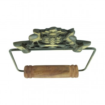 <PRE>Toilet Paper Holder Wall Mount Antique Brass Victorian Hands Tissue Holder </PRE>zoom8
