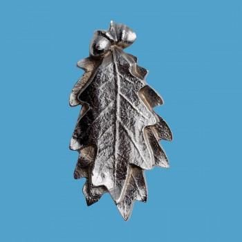 <PRE>Solid Brass Door Knocker Oak Leaf 6&quot;H x 3&quot;W Chrome </PRE>