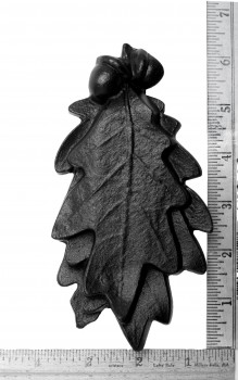 spec-<PRE>Door Knocker Black Cast Iron Oak Leaf 6 Inch X 3 Inch</PRE>