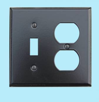 <PRE>Switchplate Black Steel Toggle Outlet Classic </PRE>