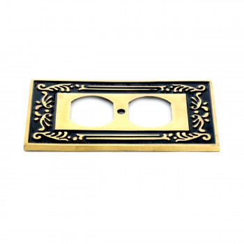 <PRE>Victorian Switch Plate Single Outlet Antique Solid Brass </PRE>zoom5