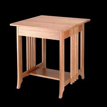 <PRE>End Tables Light Oak Finish Mission Table 24.5&quot;H </PRE>