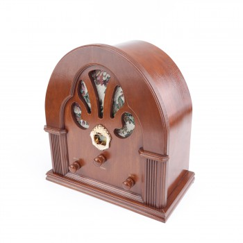 <PRE>Radios Natural Oak Church Battery Operated 12.5inchH </PRE>zoom6