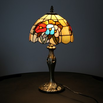 <PRE>Table Lamp Antique Brass  Style Stained Glass 19inchH </PRE>zoom3