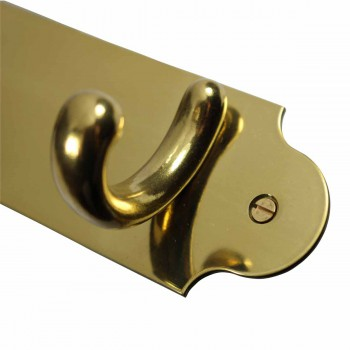 <PRE>Triple Hook Solid Bright Brass Plate </PRE>zoom6