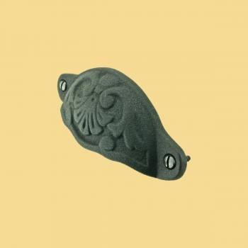 <PRE>Cabinet Pull Wrought Iron Colonial Design</PRE>