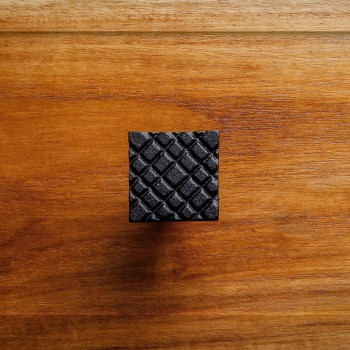 <PRE>Square Diamond Grid Iron Cabinet Knob Black</PRE>zoom2
