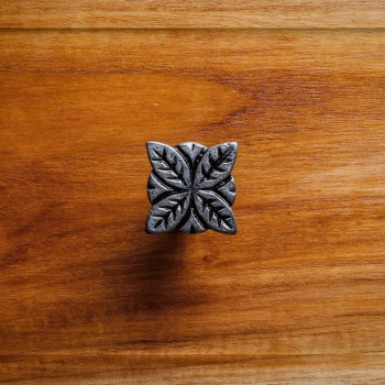<PRE>Flower Iron Cabinet Knob Pewter Finish Cabinet Hardware</PRE>zoom2