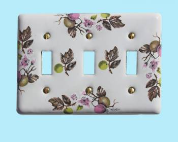 <PRE>Switch Plate White Porcelain Apple Tree 3 Toggle Switch </PRE>zoom2