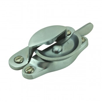 <PRE>2 Traditional Solid Brass Window Sash Lock Satin Chrome  </PRE>zoom7