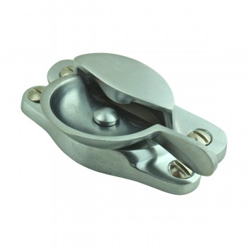 <PRE>2 Traditional Solid Brass Window Sash Lock Satin Chrome  </PRE>zoom8