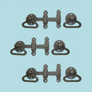 <PRE>3 Door Latch Wrought Iron Black Set 5 1/2'' W </PRE>zoom2