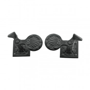 <PRE>Pair Shutter Dog Black Wrought Iron Seashell Wood Mount </PRE>zoom3