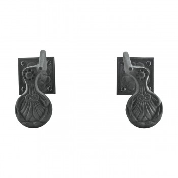 <PRE>Pair Shutter Dog Black Wrought Iron Seashell Wood Mount </PRE>zoom4