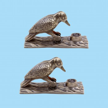 <PRE>Door Knocker Woodpecker Antique Brass Vintage 6.5 inch H Pack of 2 </PRE>zoom2