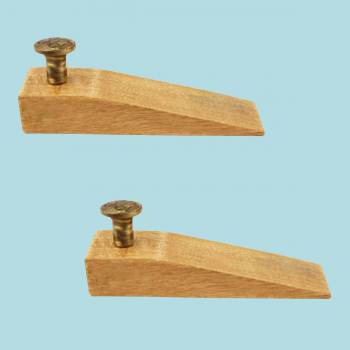 spec-<PRE>2 Door Wedge Solid Mango Wood Antique Brass Knob Natural </PRE>