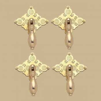 <PRE>Bright Solid Brass Diamond Drop 3 1/8 inch Set of 4 Cabinet Pulls</PRE>zoom2