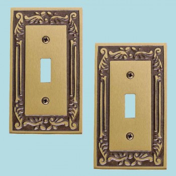 <PRE>2 Victorian Switch Plate Single Toggle / Dimmer Antique Brass</PRE>zoom2