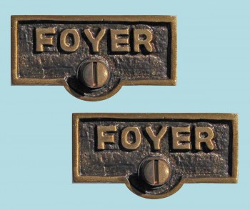 <PRE>2 Switch Plate Tags FOYER Name Signs Labels Antique Brass </PRE>zoom2