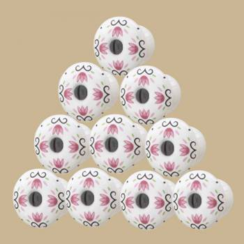 <PRE>10 Cabinet Knobs White Porcelain Tulip 1inch D Black Screw  </PRE>zoom2