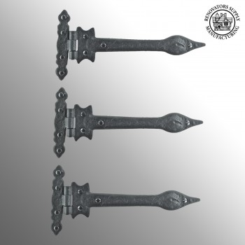 spec-<PRE>3 Door Strap Hinge Wrought Iron Spear Tip 9 in. Set of 3 </PRE>