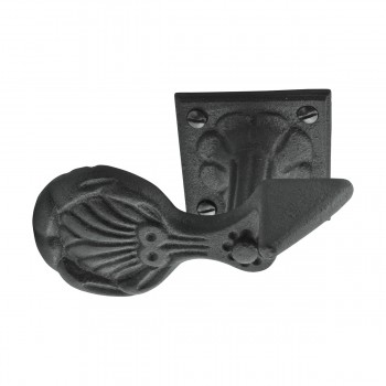 <PRE>6 Pair Shutter Dog Black Wrought Iron Seashell Wood Mount </PRE>zoom14