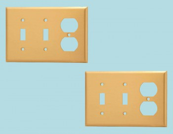 <PRE>2 Switch Plate Brushed Brass Double Toggle/Outlet </PRE>zoom2