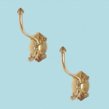 <PRE>2 Double Coat Hat Hook Bright Brass Vintage Candle Tip </PRE>