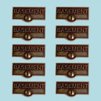 <PRE>10 Switch Plate Tags BASEMENT Name Signs Labels Cast Brass </PRE>zoom2