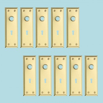 <PRE>10 Door Back Plate Bright Solid Brass Stamped w/Keyhole 7 3/4inch </PRE>zoom2