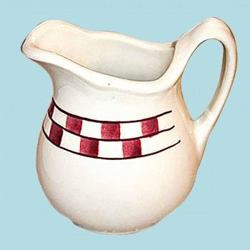 <PRE>Creamer Red/White Checkmate Stoneware Creamer Handpainted </PRE>zoom2