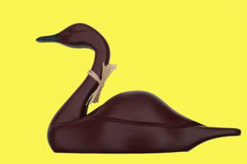 spec-<PRE>Wood Swan Decoy Red Wood 15&quot;H </PRE>