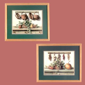 spec-<PRE>Wall Art Blue/Green Print Framed Set of 2 </PRE>