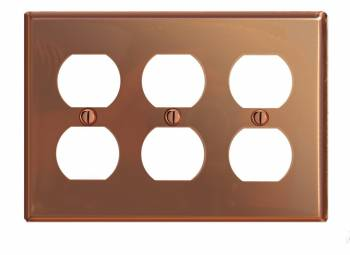 <PRE>Switchplate Bright Solid Copper Triple Outlet </PRE>