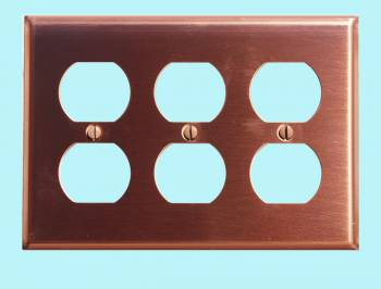 <PRE>Switchplate Brushed Solid Copper Triple Outlet </PRE>zoom2