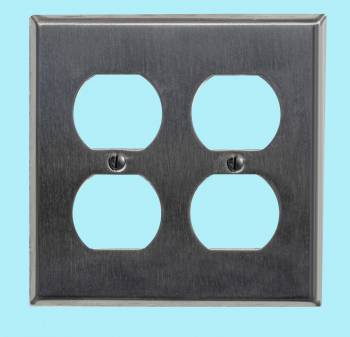 <PRE>Switchplate Brushed Stainless Steel Double Outlet </PRE>zoom2