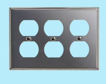 <PRE>Switchplate Brushed Stainless Steel Triple Outlet </PRE>zoom2