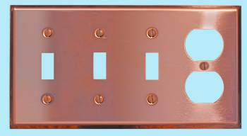 <PRE>Switchplate Solid Copper Triple Toggle/Outlet </PRE>zoom2