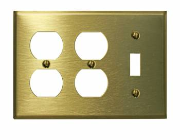 <PRE>Switchplate Brushed Solid Brass Toggle Double Outlet </PRE>zoom1